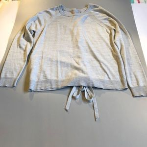 Lululemon sweater never worn size 6!